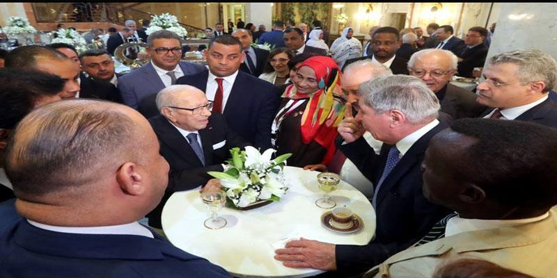 بالفيديو: رئيس الجمهورية يقيم حفل استقبال على شرف المشاركين في المؤتمر 24 لاتحاد المحامين العرب