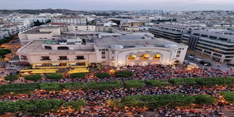صورة اليوم: التونسيون يزينون شوارع العاصمة في الاحتفال بعيد المرأة