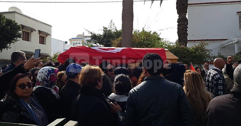 بالصور: جنازة وطنية لأيقونة الثورة ''لينا بن مهني''