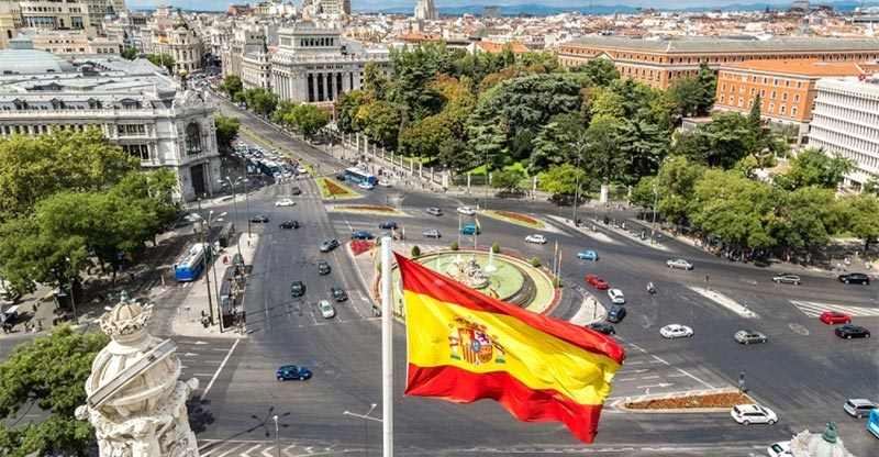 أغلبهم من شمال افريقيا: زيادة عدد سكان إسبانيا بسبب المهاجرين <