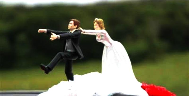 بالصور: نسي أنها زوجته فتزوجها مرة أخرى