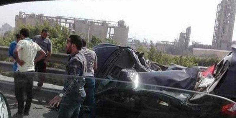 حادث مروع في القاهرة، انفجر الإطار فلقي 14 شخصا مصرعهم