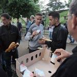 De Lampedusa à la France, les Tunisiens reçoivent l'aide des Parisiens
