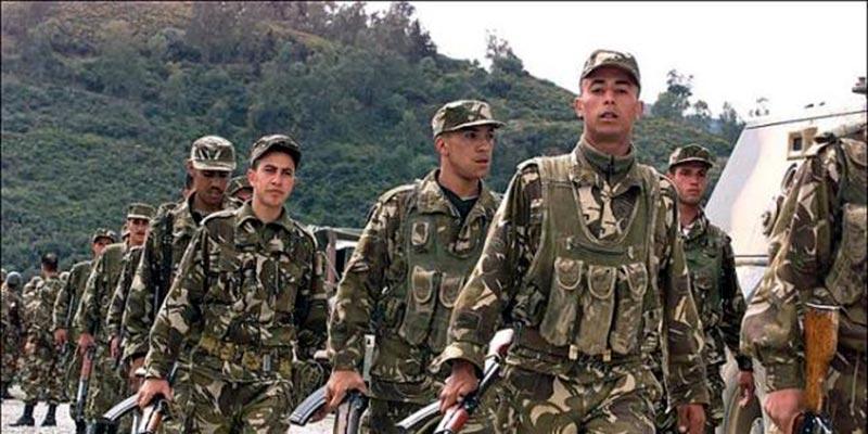 Quatre terroristes se rendent à l'armée algérienne