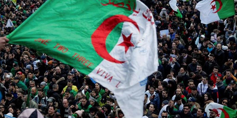 En Algérie, les hauts responsables liquident leurs biens