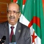 وزير جزائري: استقبلنا 200 شخصية ليبية سرا