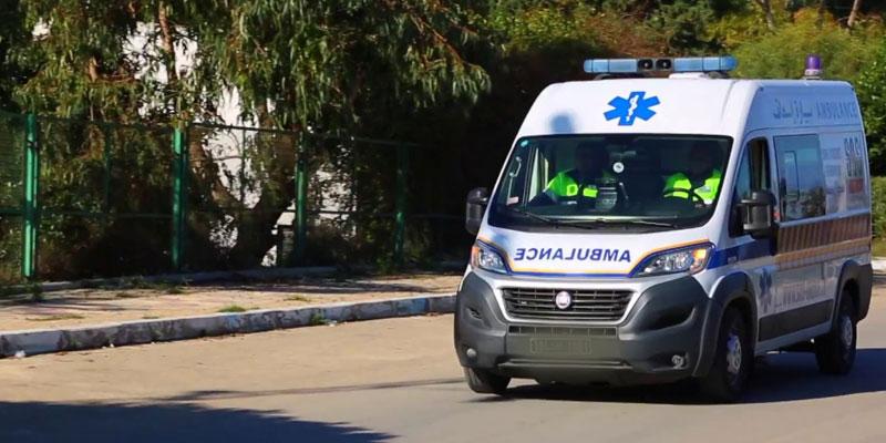 Collision entre une ambulance et une voiture, 10 blessés