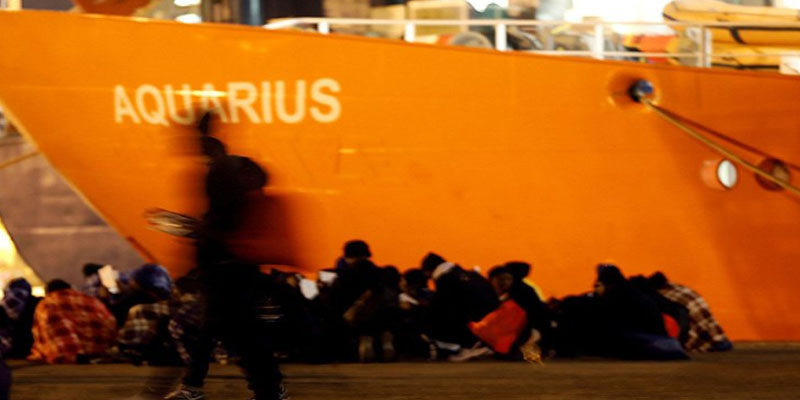إيطاليا وإسبانيا ترفضان استقبال سفينة إنقاذ تحمل مهاجرين