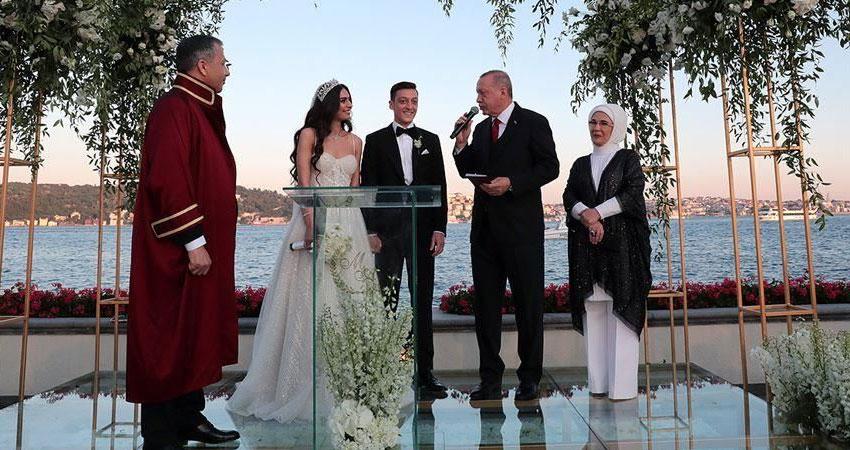 أردوغان وعقيلته أمينة شاهدان على عقد زواج أوزيل