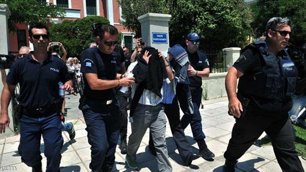تركيا تعتقل أحد أبرز شخصيات المجتمع المدني بالمطار