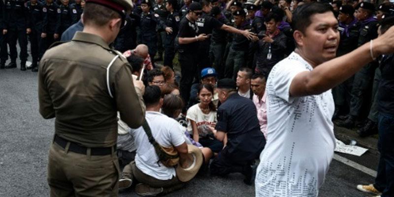 Arrestations en Thaïlande après une manifestation réclamant des élections