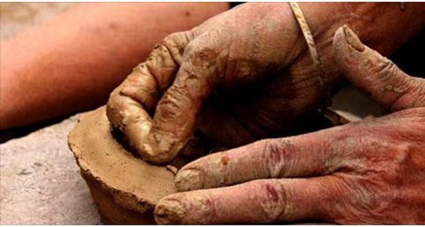 Tisseuses et potières de Siliana exposent leurs créations à la Marsa