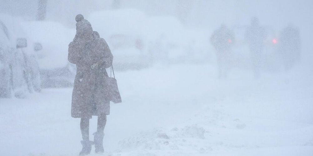 عاصفة نادرة تدمر المنازل وتودي بحياة العشرات