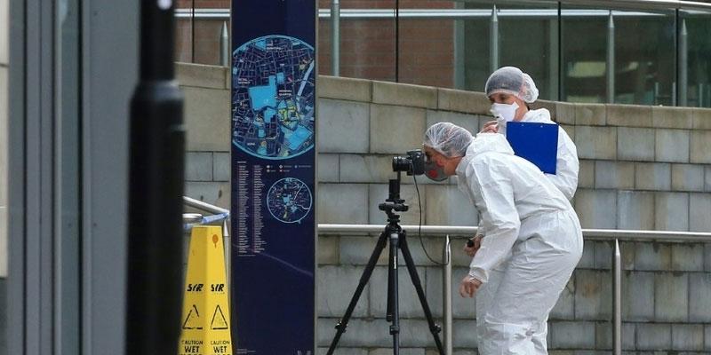 Un quadragénaire arrêté pour terrorisme après une attaque au couteau à Manchester