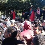 الكاف :مسيرة من متساكنى المدينة تنديدا بالهجوم الإرهابي و الوضع الصحى بالجهة