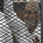 محاكمة 682 من أنصار الإخوان بينهم بديع والكتاتني