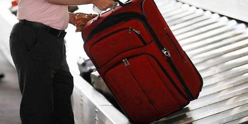 Des agents impliqués dans les vols de bagages libérés en raison de la valeur insignifiante des objets volés, selon le ministre du Transport