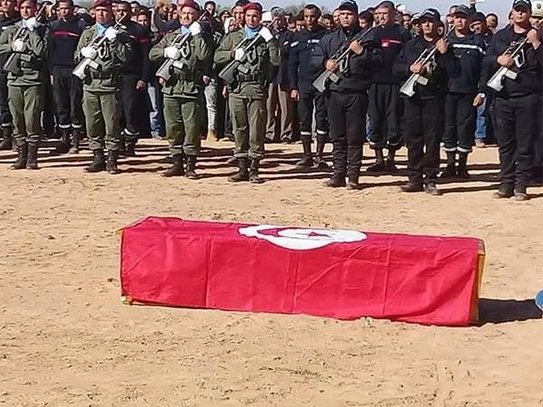 بالصّور : جنازة مهيبة لشهيد الواجب محسن بن عاسي