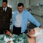 Un chef de brigade attaqué à la hache