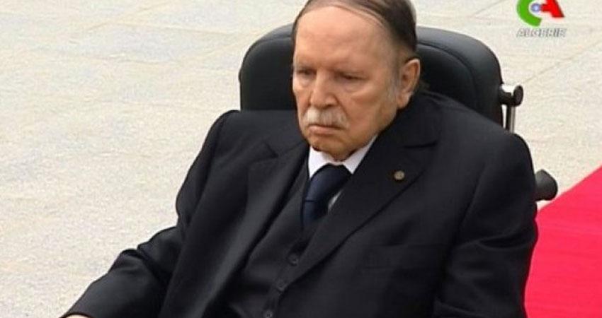 بالفيديو..طريقة تكريم بوتفليقة تثير غضب الجزائريين
