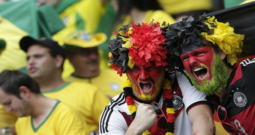 الجماهير البرازيلية تسخر من الألمان
