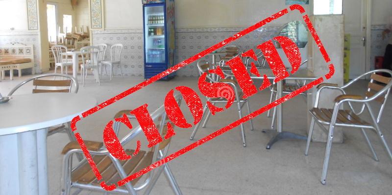 Les propriétaires des cafés préfèrent rester fermés et obtenir des prêts