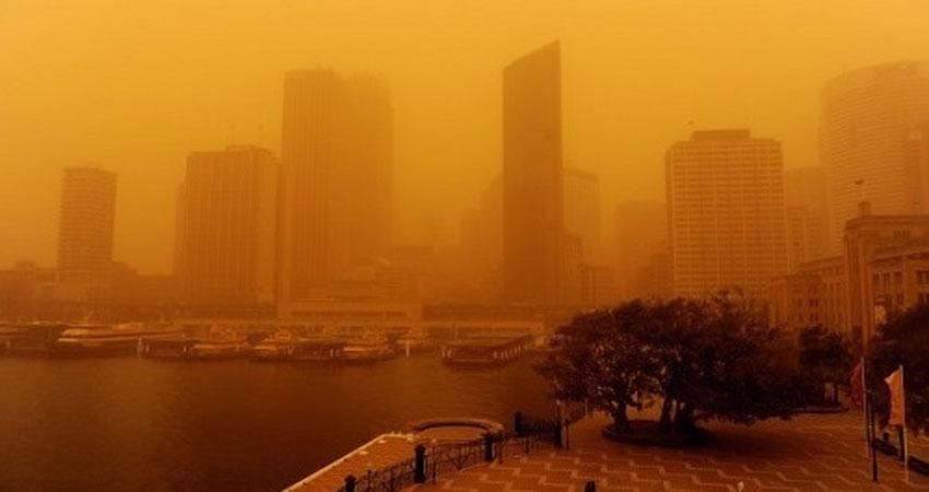 عاصفة رملية شديدة تضرب القاهرة
