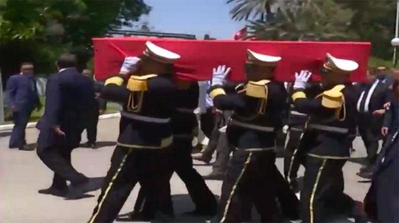 En photos : La dépouille de Béji Caid Essebsi arrive au palais présidentiel