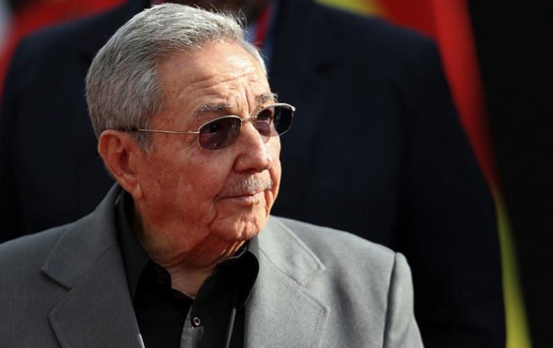 رئيس جديد ينهي عهد ''آل كاسترو'' في كوبا