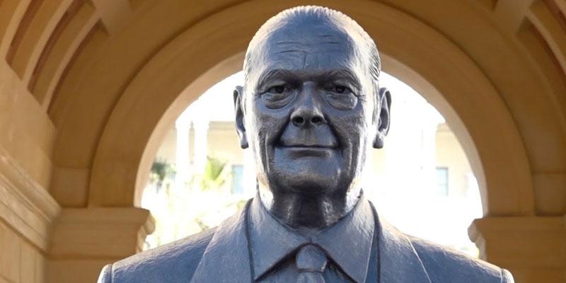 La statue de Jacques Chirac vandalisée