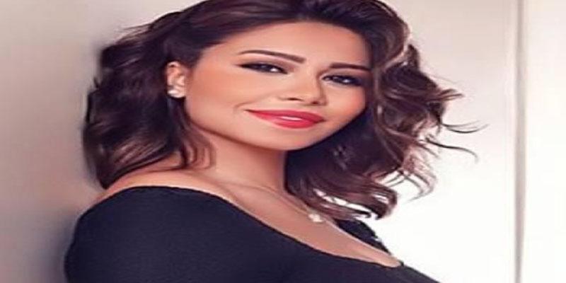 مصر: رفع قرار الإيقاف عن الفنانة شيرين بعد اعتذارها