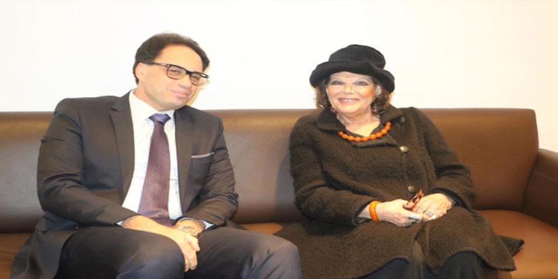 وصول النجمة العالمية كلاوديا كاردينالي إلى تونس