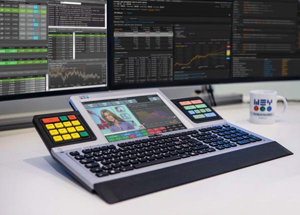 Découvrez le clavier multifonctions WEY Smart Touch au Salon EXPO Finances 2016
