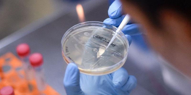 Coronavirus: la quête mondiale d'un vaccin aiguise les rivalités et les tensions