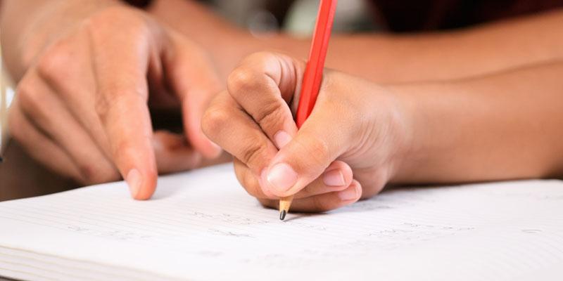 13 professeurs visés par une enquête, le ministre de l'Education explique