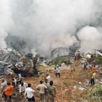 Crash d'avion en Inde : 160 morts et 6 survivants