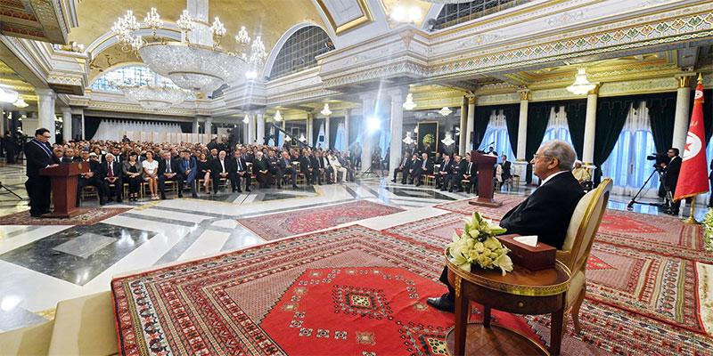 الإحتفال باليوم الوطني للثقافة، رئيس الجمهورية يوسّم عددا من المثقفين