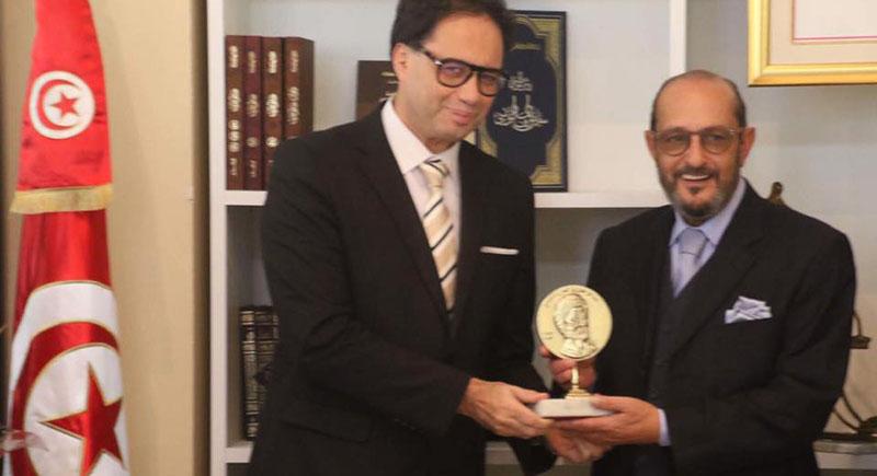 بالصور: وزير الشؤون الثقافية يكرّم رؤوف بن عمر وحمّادي صمود ونجا المهداوي والفاضل الجعايبي