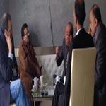 Photo du jour : Un round du dialogue National se joue dans un café ?