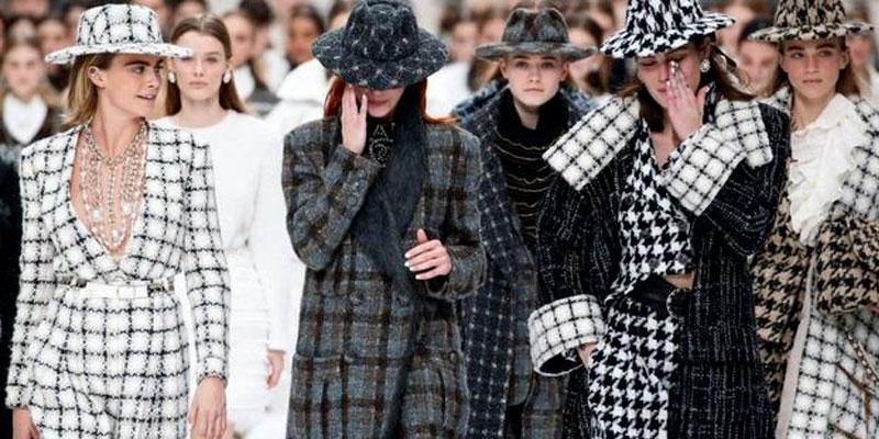 Retour en images sur la dernière collection Chanel dessinée par Karl Lagerfeld