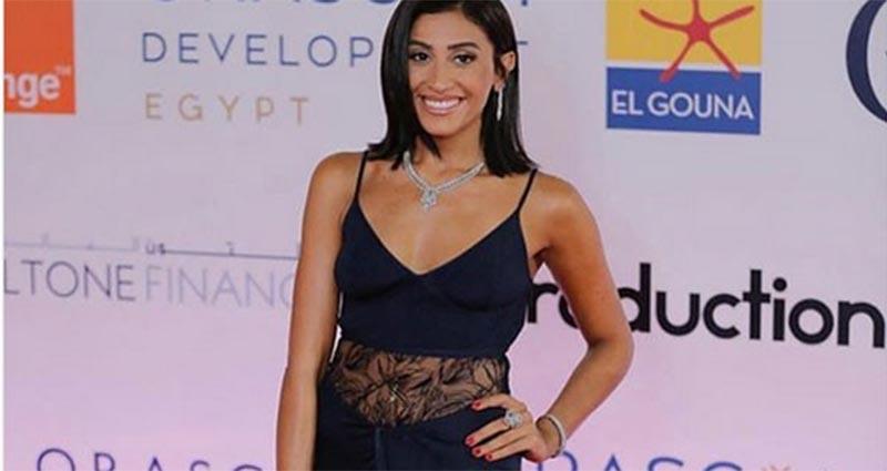 بالصور: هذا سعر فستان دينا الشربيني الذي تسبب في السخرية منها..