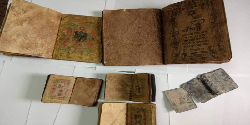 القصرين: إيقاف أمني متقاعد وعمدة سابق بحوزتهما كتب يهودية قيمتها مليار