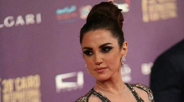 En photos : Dorra Zarrouk sublime dans sa robe signée Hany El Behairy au Festival International du Film du Caire
