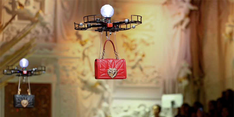 En vidéo : En Arabie Saoudite, les drones remplacent les femmes pour un défilé