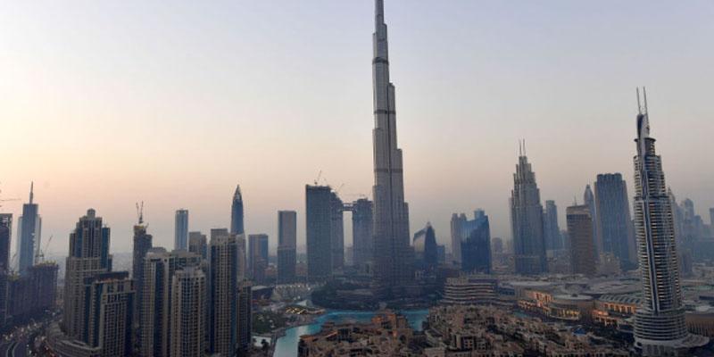 دبي: مقتل 17 شخصا من جنسيات مختلفة في جراء اصطدام حافلة بلوحة إرشادية