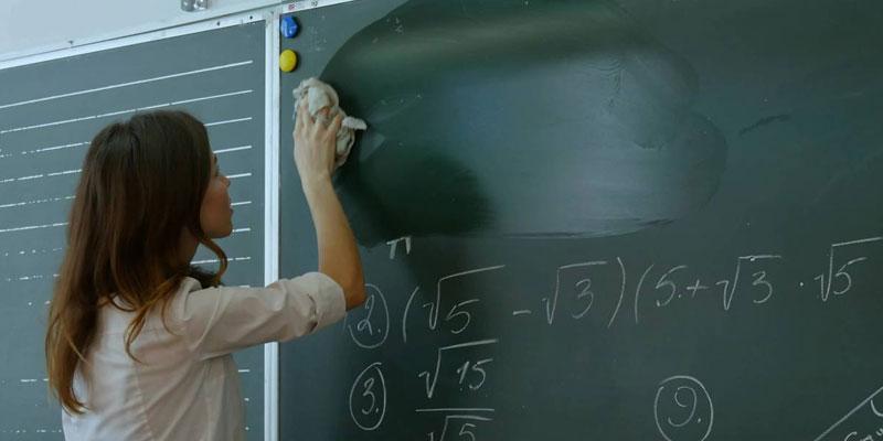 ''Il faut réduire le fossé entre les connaissances théoriques et pratiques'', souligne Hatem Ben Salem