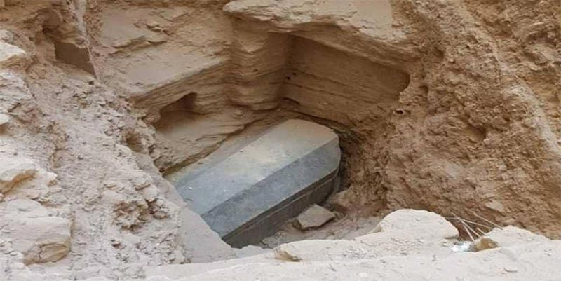 مصر تكشف النقاب عن محتويات التابوت الغامض