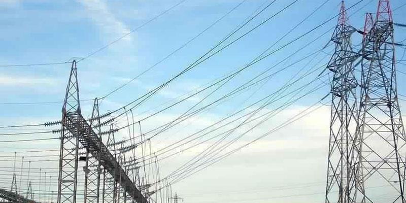 إيران: وقف تزويد العراق بالكهرباء يتماشى مع الاتفاقية بين البلدين