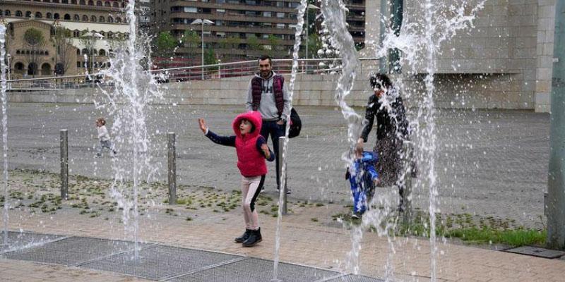En Espagne, les enfants sortent pour la première fois en six semaines