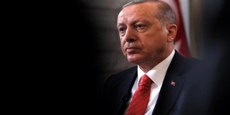 أردوغان يخصص مسؤولا لحمايته من فيروس كورونا ويمنع المصافحة